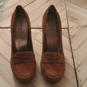 Guess Size 8 M Tan Heeled Penny Loafers